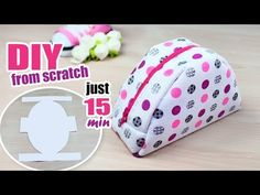In this short diy tutorial i'm gonna show you how to sew a cute small round zipper pouch very easy. Diy Pouch Bag, Diy Pouch No Zipper, Zipper Pouch Tutorial, Zipper Bags, Diy Pouches, Tote Bag, Mochila Tutorial, Coin Purse Tutorial, Handbag Tutorial