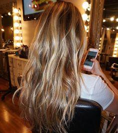 H I G H S & L O W S for @jessiejamesdecker by @marissadanelle    #MarissaDHair #nashvillehair #brentwoodbeautiful #hairgoals #balayage #beauty #parlour3