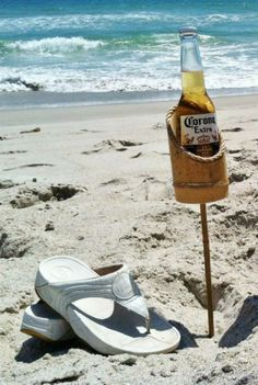 Bamboo Drink Stakes on BourbonandBoots.com #beer #drinking #partyideas #beach