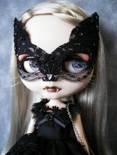 Hey, I found this really awesome Etsy listing at https://www.etsy.com/listing/193543564/noir-blythe-limited-halloween-black-cat