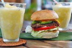 Mexican Hamburgers With Spicy Mayo - Beefy Mexican tacos and fajitas are always great, so why not burgers? Chopped jalapenos in the patties add a nice kick, but the real key is the cilantro-cayenne mayo that you'll start using on all sorts of sandwiches. Spicy Mayo Recipe, Hamburger Toppings, How To Make Hamburgers, Gourmet Burgers, Barbecue Burgers, Fourth Of July Food, Good Burger, Grilled Vegetables, Grilling Recipes