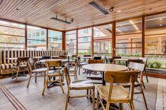 Интерьер ресторана быстрого питания Hurricane's Express в Сиднее - Австралия