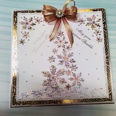 Dies by Chloe - Small Snowflake Corner - - Chloes Creative Cards Christmas Paper Crafts, Homemade Christmas Cards, Homemade Cards, Handmade Christmas, Christmas Ideas, Die Cut Christmas Cards, Xmas Cards, Snowflake Cards, Snowflakes
