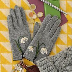 Personnaliser des gants en laine avec de la laine cardée