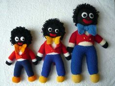 KNITTING PATTERN TRADITIONAL GOLLIWOG DOLL 3 SIZES