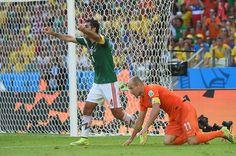 Diving, Pengguna Twitter Bully Robben dengan Gambar Meme http://lnkd.in/b2F9Pcs