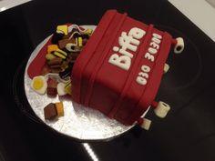 Wheelie bin cake - Biffa bin cake