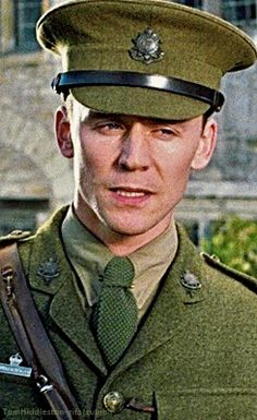 Tom Hiddleston, Captain Nicholls