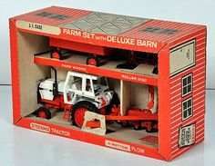 Vintage 1/16 CASE 2390 Farm Set with Deluxe Barn