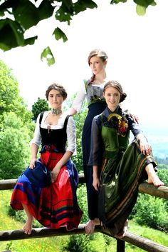 Dirndl meets barefoot. Super sweet colourful styles. by Michaela Keune