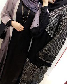 Image in Black ❤ collection by Misaki Yume on We Heart It Arab Fashion, Muslim Fashion, Burqa Fashion, Modest Fashion, Hijab Wear, Hijab Outfit, Stylish Dresses For Girls, Stylish Girls Photos, Hijab Collection