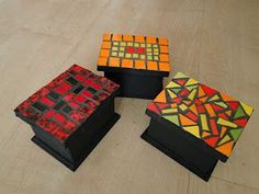 Cosas lindas de mosaico Mirror Mosaic, Mosaic Art, Mosaic Tiles, Glass Jewelry Box, Jewellery Boxes, Mosaic Crafts, Mosaic Projects, Mosaic Designs, Mosaic Patterns