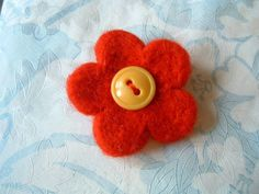 the knitted blog: How To Needle Felt a Flower Brooch