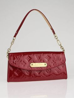 ~ Seriously my favorite and I'm NOT a purse person.Unfortunately, I counldn't pin it from the actual Louis Vuitton site This is at least a good look-a-like. Cluch Bag, At Least, Monogram, Louis Vuitton, Shoulder Bag, Handbags, Purses, My Favorite Things, Womens Fashion
