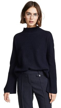 Cashmere Sweater - 6 Winter Investment Pieces You'll Wear for Years to Come Pelo Kendall Jenner, Sweater Outfits, Fall Outfits, Outfits For Short Hair, Long Pixie Hairstyles, Long Bob Haircuts, Girl Haircuts, Pixie Haircut, Haircuts For Men