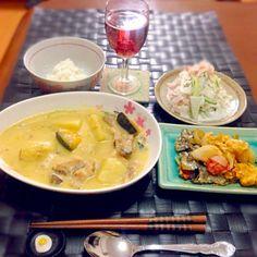 本日の深夜の晩餐♫ 新ジャガたっぷりのクリームシチュー 鯵の素揚げ 大根蟹コールスロー - 67件のもぐもぐ - 新ジャガたっぷりクリームシチュー by manilalaki