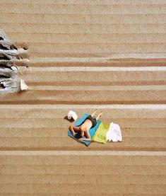 Golsa Golchini Cardboard Painting, Creative Art, Creative Ideas, Colorful Fish, Light And Shadow, Three Dimensional, Beach Mat, Modern Art, Art Drawings