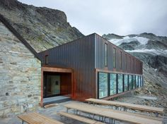 cabane de moiry | ingegneri pedrazzini guidotti Swiss Switzerland, Drupal, Types Of Houses, Architecture, Shed, Outdoor Structures, House Styles, Home Decor, Beautiful