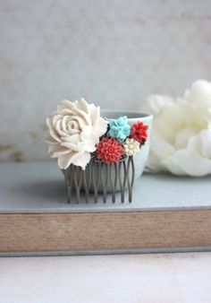 Vintage Inspired - Coral wedding hair comb