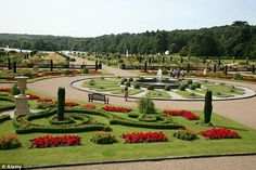 The restored Italianate Garden at Trentham Gardens in Stoke-on-Trent, is a beautiful plac. English Garden Design, Garden Quotes, Stoke On Trent, British Isles, Amazing Gardens, Interior And Exterior, Britain, Swimming Pools, Beautiful Places