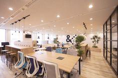 &CAFE -自然なコミュニケーションが生まれるオープンオフィス-|デザイナーズオフィスのヴィス Small Office Design, Office Entrance, Room Interior, Interior Design, Office Furniture Design, Office Seating, Lounge Design, Open Office, Office Lighting