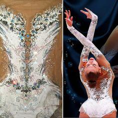 Одноклассники Rhythmic Gymnastics Costumes, Gymnastics Competition Leotards, Gymnastics Skills, Gymnastics Leos, Dance Leotards, White Leotard, Aerial Costume, Pretty Costume, Figure Skating Dresses