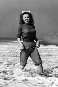 Andre De Dienes - Marilyn Monroe (then still Norma Jeane) - 1945