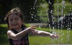 Blast of heat, splash of water in Seattle | The Seattle Times