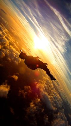 I would probably pee my pants... and die from fright. But I want to do this ~ skydiving