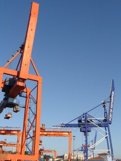 Schiffskräne zur Be-und Entladung von Containern