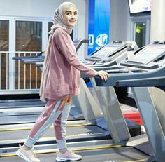 15 more sporty outfits hijab casual ; Hijab Casual, Hijab Chic, Casual Outfits, Stylish Hijab, Mode Outfits, Sport Outfits, Fashion Outfits, Modern Hijab Fashion, Muslim Fashion