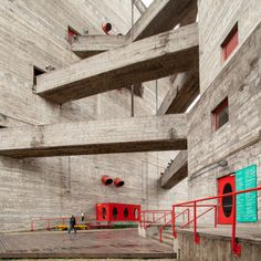 SESC Pompeia - Lina Bo Bardi Photo: Scott Norsworthy