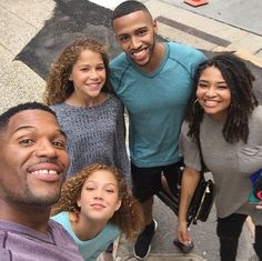 Michael Strahan And His Children Share Cute Family Vacation Photos Celebrity Babies, Celebrity Couples, Celebrity Pictures, Celebrity Style, Black Celebrities, Beautiful Celebrities, Celebs, Foreign Celebrities, Cute Family