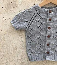 Baby Knitting, Crochet Baby, Knit Crochet, Crochet Stitches Patterns, Knitting Patterns, Little Girl Dresses, Girls Dresses, Moda Emo, Viking Tattoo Design