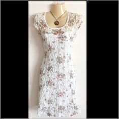 Kimchi Blue floral lace dress Gorgeous lace dress! Size S. Has a built in slip and back slip goes way down in the back for appeal. Very figure flattering! Excellent condition! Kimchi Blue Dresses Midi