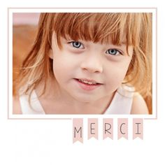 Cartes de remerciement pour la naissance d'une petite fille avec sa guirlande de fanions rose pâle.  A personnaliser en ligne : http://www.lips.fr/impression/carte-remerciement-naissance/format-130-x-130-2p-modele.html?modele_id=838
