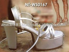 Upper: PU, Lining: PU  Outsole: Rubber/TPR  Size: 35-40  Colour: At Customer Requested  MOQ : 500 pair