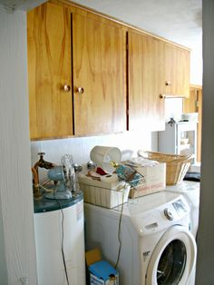 Laundry Room Redo - DIY Laundry Folding Table - Little Vintage Cottage Laundry Shelves, Laundry Room Storage, Diy Storage, Laundry Folding Tables, Laundry Room Tables, Stackable Washer And Dryer, Washing Machine And Dryer, Diy Table, Home Projects