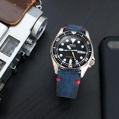 Thursday morning - #MiLTAT navy blue Nubuck leather strap on Seiko #SKX013 #strapcode #menswear #menstyle #skx #seiko #seikodiver #watchstrap #menfashion