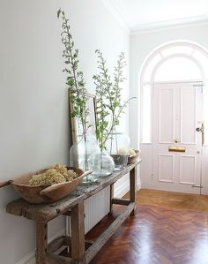Entryway table/decor