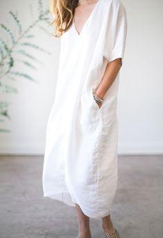"rachelcraven: "" Rachel Craven long vneck caftan in white linen "" Caftan Dress, Ruffle Dress, White Linen Dresses, White Dress, Trendy Dresses, Nice Dresses, Fashion Dresses, Linen Dress Pattern, Cocoon Dress"