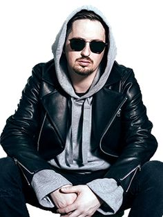 Singer Robin Schulz is looking awesome in this remarkable outfit made by real leather in an attractive black color. The Album Uncovered is famous for Robin Robin, Singer Songwriter, Singer Fashion, Album, Real Leather, Dj, Leather Jacket, Halloween Fashion, Music