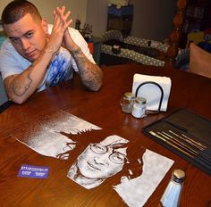 Here are some cool Salt Art designs by Allan Pachino from The Bahamas and Rob The Original from Texas. These guys are master of salt art. Pictures Of The Week, Daily Pictures, Funny Pictures, John Lennon, Caricatures, Beatles, Salt Art, Mexican Artists, Morning Pictures