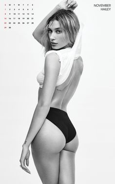 Gigi Hadid Hailey Baldwin V Magazine 2020 Calendar Lauren Hutton, Kreative Portraits, Model Poses Photography, Hailey Baldwin Style, V Magazine, Sexy Poses, Victoria Secrets, Female Models, Female Modeling Poses