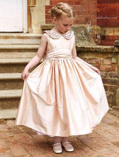 Nicki MacFarlane  flower girl dresses Blumenmädchen 327164bbd1a1