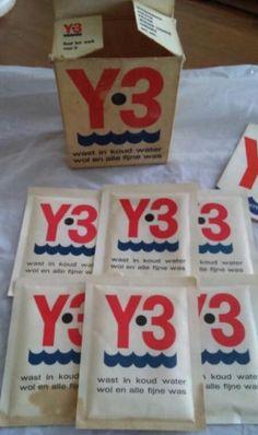 Y.3 - wast in koud water wol en alle fijne was - kartonnen doosje met zakjes poeder - wasmiddel