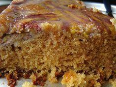 BOLO DE MAÇÃ E BANANA : Oi gente,uma receita de bolo hoje,vale a pena fazer essa maravilha!! *BOLO DE BANANA E MAÇÃ Ingredientes: 2 bananas prata maduras 1 maçã (pode ser com casca) 1 xícara de açúcar mascavo 1 xícara de farinha de trigo 1/4 xícara de óleo (qualquer tipo) 1/4 xícara de leite de soja (ou o leite preferido) 1 colher sopa fermento em pó Canela em pó Modo de Preparo: Na vasilha onde o bolo será misturado, amassar as bananas, até que fiquem com a forma de uma pasta Adici...