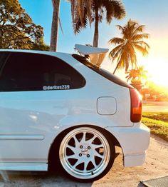 Japanese Sports Cars, Honda Civic Hatchback, Honda Cars, Import Cars, Japan Cars, Sexy Cars, Custom Cars, Subaru, Jdm