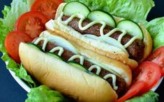 <p>This recipe makes a crispy sausage that is perfect for barbecues when served in a fluffy hot dog bun.</p>
