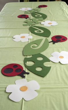 ladybug crafts | Guilty Pleasures: Cricut Ladybugs Table Decor | WaxPaperScissors